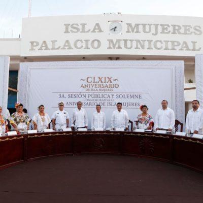 Celebran el 169 aniversario de Isla Mujeres con sesión pública y solemne