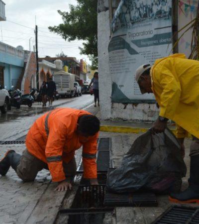 Elementos de Protección Civil y Bomberos realizan acciones de prevención por presencia de lluvias en Isla Mujeres