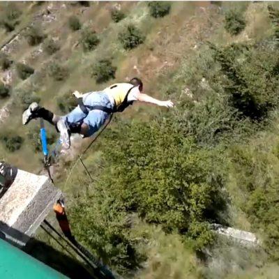 Muere 'youtuber' en fallido salto en paracaídas en España