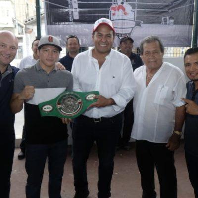 """Juan Carrillo inaugura la escuela municipal de boxeo """"La Jaula"""" en Isla Mujeres"""