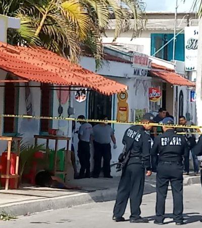 Ejecutan a balazos a un hombre afuera de una tienda en Chetumal