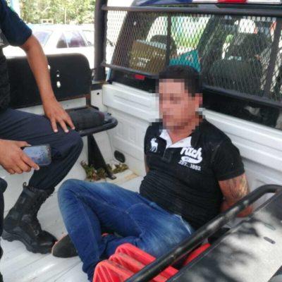 Ciudadanos detienen y golpean a presunto asaltante en Playa del Carmen