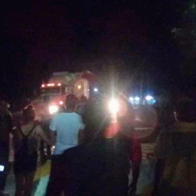 Bloquean carretera en Nicolás Bravo en exigencia de justicia por asesinato de una mujer en asalto