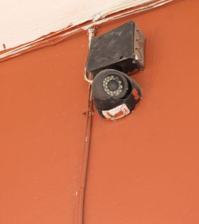Denuncia director de escuela instalación de cámaras inservibles en Kantunilkín