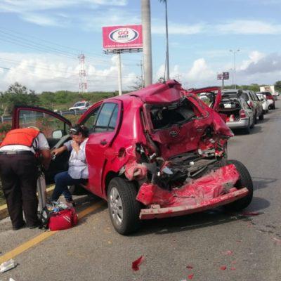 Carambola de cinco vehículos en Punta Maroma