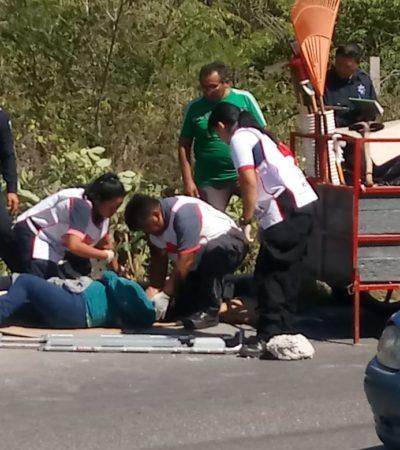 Taxi atropella a motociclistas en Chetumal