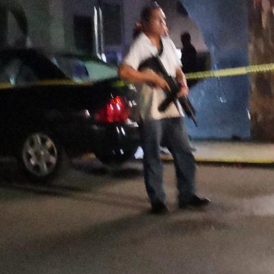 Disparan afuera de hotel en el centro de Playa del Carmen