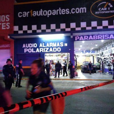 Hieren de bala a hombre dentro de una tienda en la Colosio de Playa del Carmen