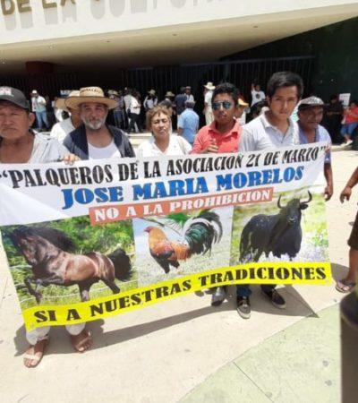 Galleros y toreros protestan nuevamente contra la Ley de Protección y Bienestar Animal en Chetumal
