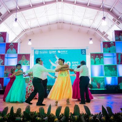 Demuestran su talento jubilados y pensionados yucatecos en Expo Adulto Mayor 2019