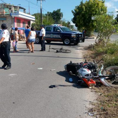 Embiste moto a ciclista en Chetumal
