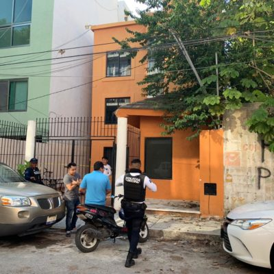 Muere sexagenario al caerse por escaleras en Playa del Carmen