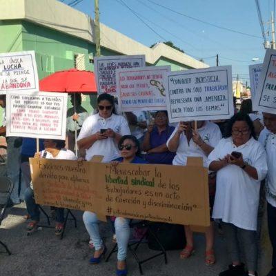 Protestan sindicalizados frente a la secretaría de Salud en Mérida; exigen reinstalación