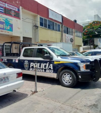 Se llevan 100 mil pesos y teléfonos celulares en asalto a tienda de tecnología en la Sm 24 de Cancún