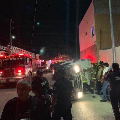 SE LE ATASCÓ EL 'DIFERENCIAL': Hombre alcoholizado termina en el hospital, tras volcar en camión en Playa del Carmen