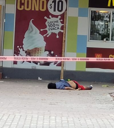 EJECUTAN A HOMBRE EN EL CRUCERO: Matan a balazos a una persona en plena zona de remodelación del emblemático parque de Cancún