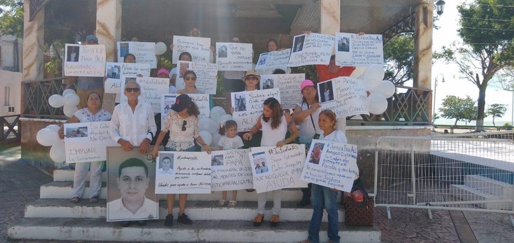 Familiares de policía ministerial asesinado en Chetumal se manifiestan para exigir justicia ante dilación en las investigaciones del caso