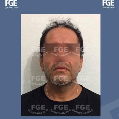 Detienen a padre acusado de violar a su propia hija de 12 años de edad en el fraccionamiento Villas Otoch Paraíso de Cancún