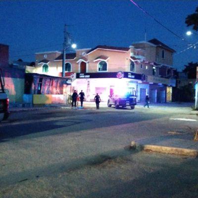 Ejecutan a un hombre al interior de una tienda en R-247 de Cancún