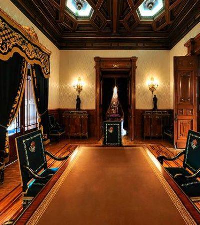 Revela AMLO hallazgo de una cámara de espionaje en salón de Palacio Nacional