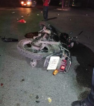 Muere motociclista en Chetumal al estrellarse contra un árbol en la colonia Bahía