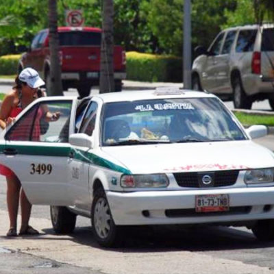 Dicen taxistas de Cancún que no aplicarán, por el momento, aumento de tarifas