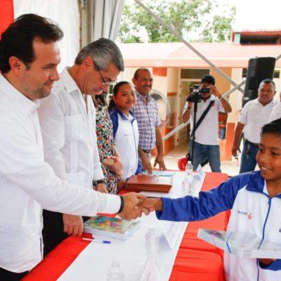 Convenio de colaboración entre autoridades y empresas permitirá que 190 alumnos tengan una educación integral en Cozumel