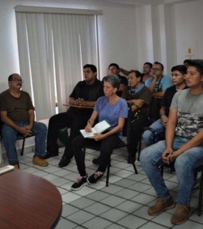 Capacitan a ciudadanos para saber qué hacer en situaciones de riesgo laboral en Isla Mujeres