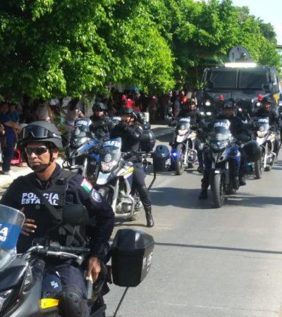 Helicóptero de Seguridad Pública del Estado sobrevuela el desfile cívico-militar en Chetumal