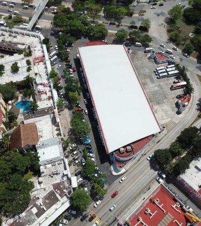 DESORDEN TOLERADO EN TORNO AL ADO: Vendedores ambulantes, taxistas y urvans foráneas invaden los alrededores de la terminal de autobuses de Cancún