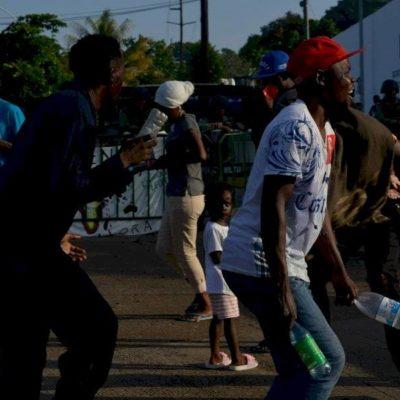 Persisten africanos en protesta contra Estación Migratoria Siglo XXI del INM en Chiapas