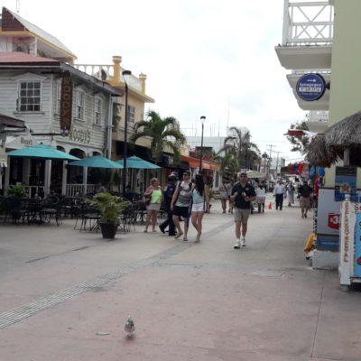 Sacuden al ambulantaje en Cozumel y aparecen vendedores de droga
