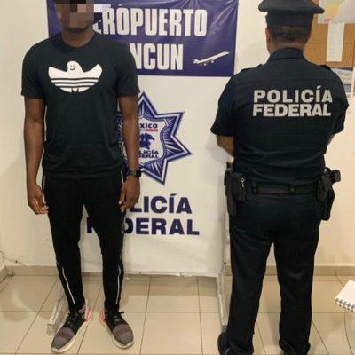 Detienen a extranjero armado en aeropuerto de Cancún