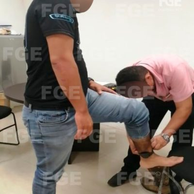 Coloca Fiscalía primeros brazaletes electrónicos en Quintana Roo