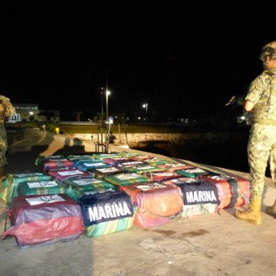 VIDEO | Aseguran en Chiapas lancha con más de una tonelada de cocaína; hay tres detenidos