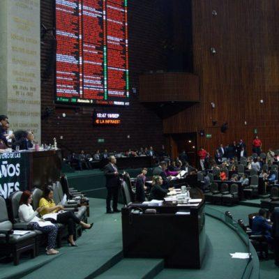 Celebra AMLO aprobación de leyes secundarias en materia educativa; pasan al Senado