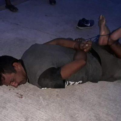 Vecinos detienen a ladrón en la Región 227 y lo dejan amarrado como 'regalito'