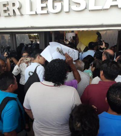 """""""¡NADIE ES DUEÑO DEL CONGRESO!"""": Abre Marybel Villegas recinto legislativo a multitud"""
