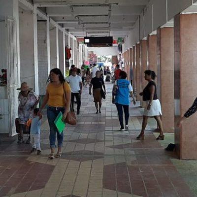 Locatarios del mercado Altamirano comienzan a despejar pasillos al llegar a un acuerdo con autoridades