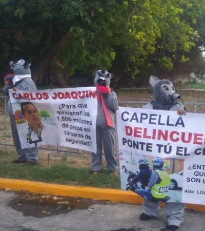 Vestidos de ratas, asociaciones civiles protestan durante el Tercer Informe de Gobierno