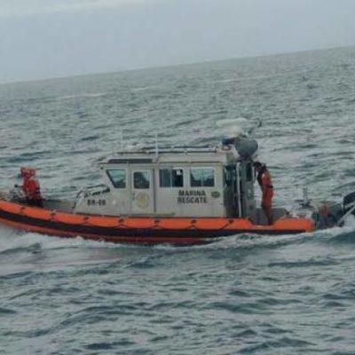 Rescata la Marina a pescador tras quedar a la deriva en aguas de Campeche