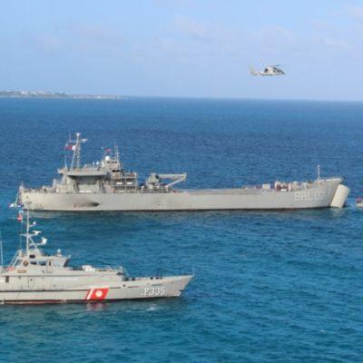 Marina realiza pruebas de flotabilidad y motores de la primera embarcación sargacera en Veracruz