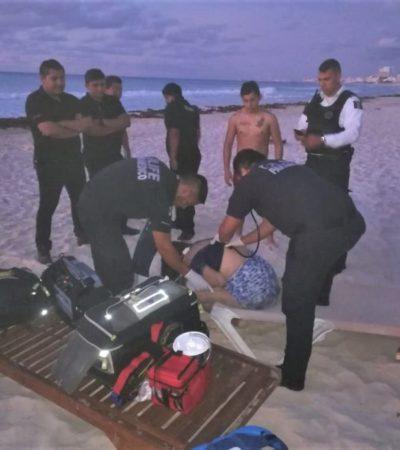Rescatan a mujer que se lanzó al mar para suicidarse en playa Gaviotas