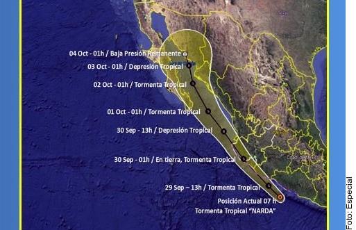 Toca tierra 'Narda' en Michoacán