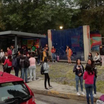 Rechazan estudiantes que Ricardo Anaya imparta diplomado en la UNAM y cierran la facultad