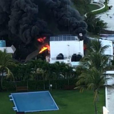 SE INCENDIA RESTAURANTE EN PUERTO JUÁREZ: Consume el fuego mobiliario y una palapa del 'Puerto Santo'