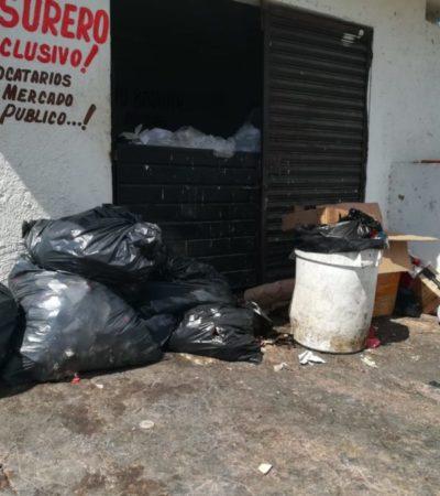 """Denuncian locatarios del mercado """"Diana Laura"""" a empleados de Servicios Públicos por exigir cuota para llevarse la basura"""