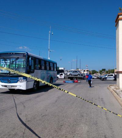 Muere mujer en moto al ser arrollada por un autobús en la SM 259 de Cancún
