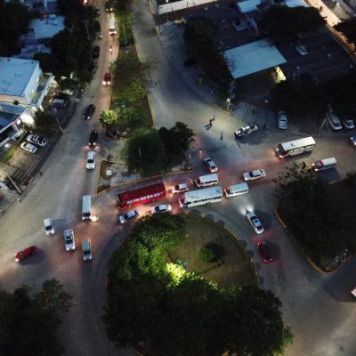 'DAÑO COLATERAL' POR EL INFORME DE MARA: Cierre de vialidades en torno al Palacio Municipal afecta a automovilistas en Cancún