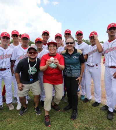 Lanza Alcaldesa primera bola para inaugurar Campeonato Panamericano Premundial de Béisbol U15